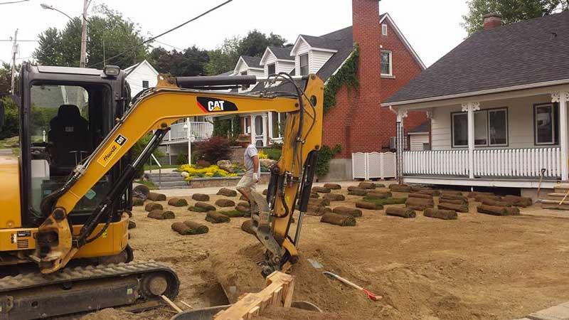 Expert en terrassement et aménagement paysager à Sherbrooke : Aménagement HR